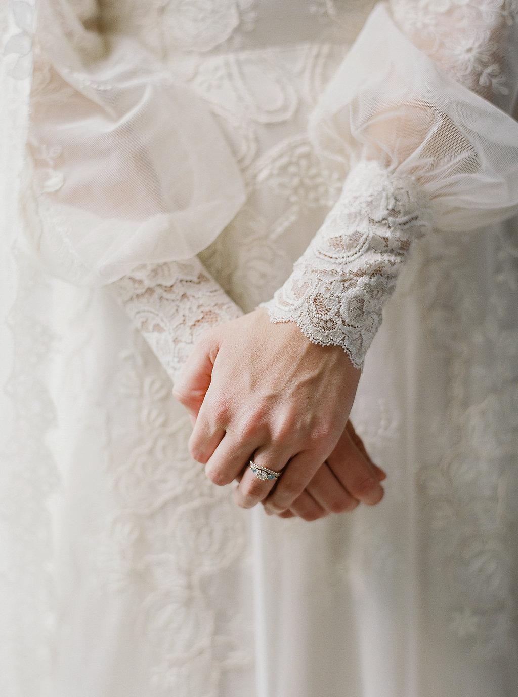 fall-wedding-Jenny-haas-Samantha-joy-events-laurel-court-cincinnati-wedding-dress