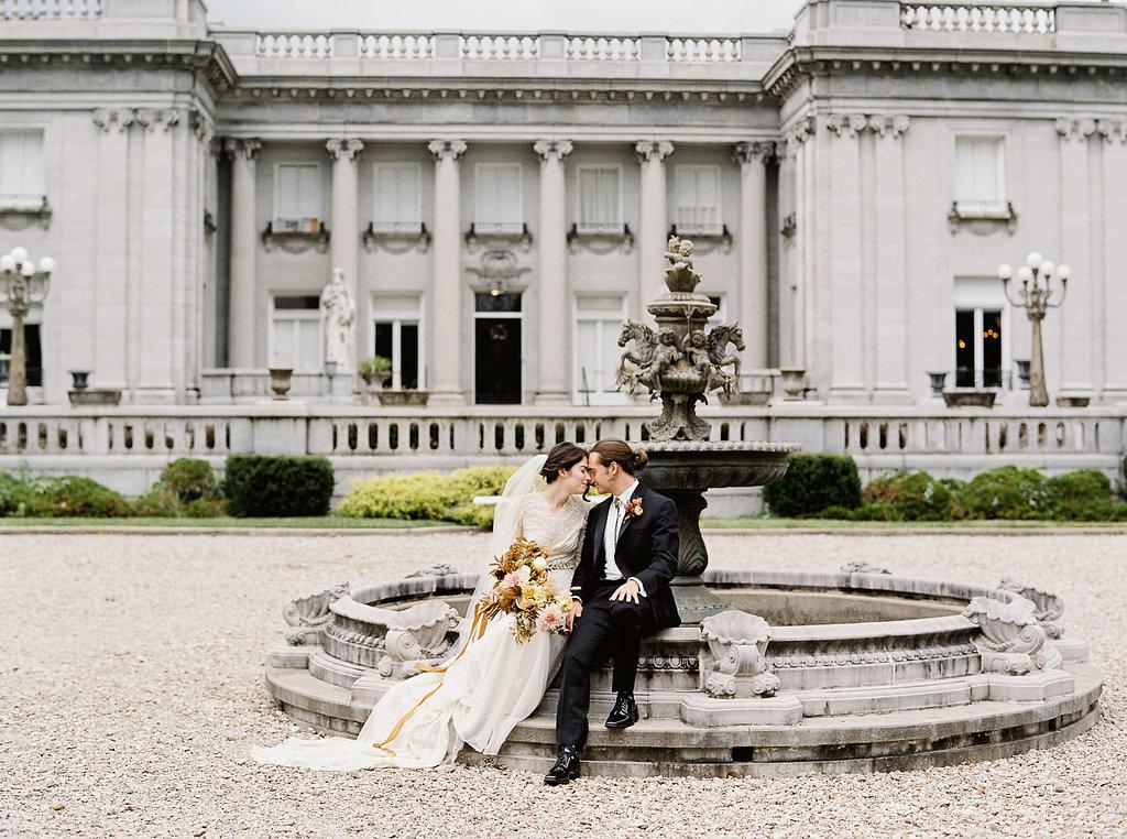fall-wedding-Jenny-haas-Samantha-joy-events-laurel-court-cincinnati-wedding-bride-and-groom4