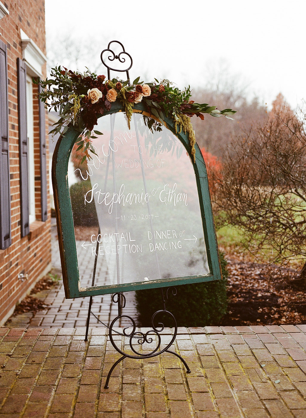 000060720008.jpgsamantha-joy-events-wedding-planner-estate-at-sunset-farms-fall-wedding-sign-9