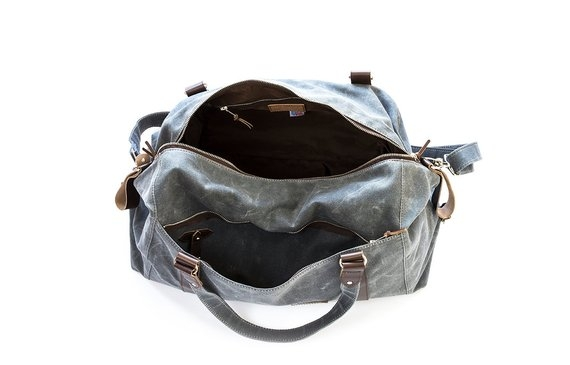 weekender-waxed-duffle-open-holiday-gift-guide-2018