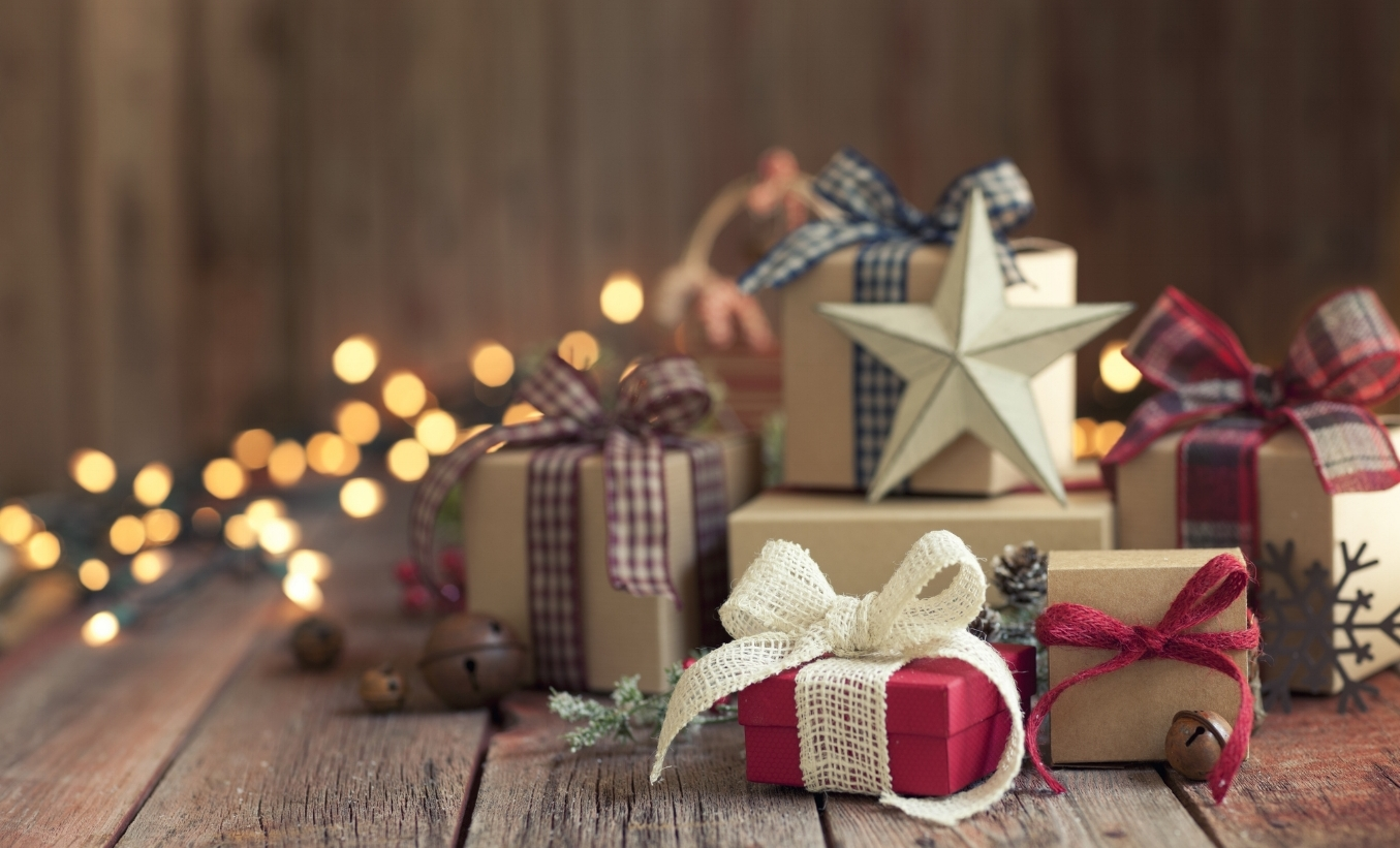 holiday-gift-guide-for-him-samantha-joy-events-2018