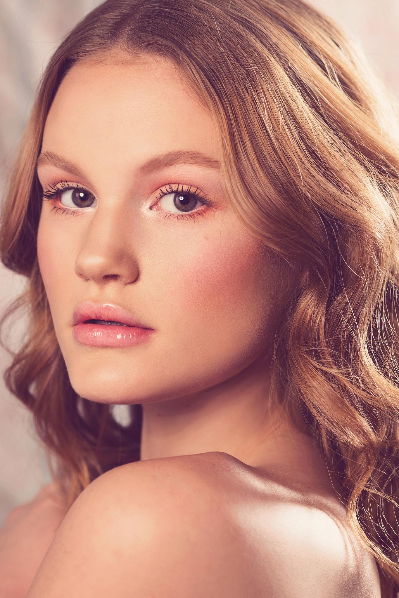 Dayton-makeup-artist-wedding-makeup-trista-noe-Nicole-Clarey-1.jpg
