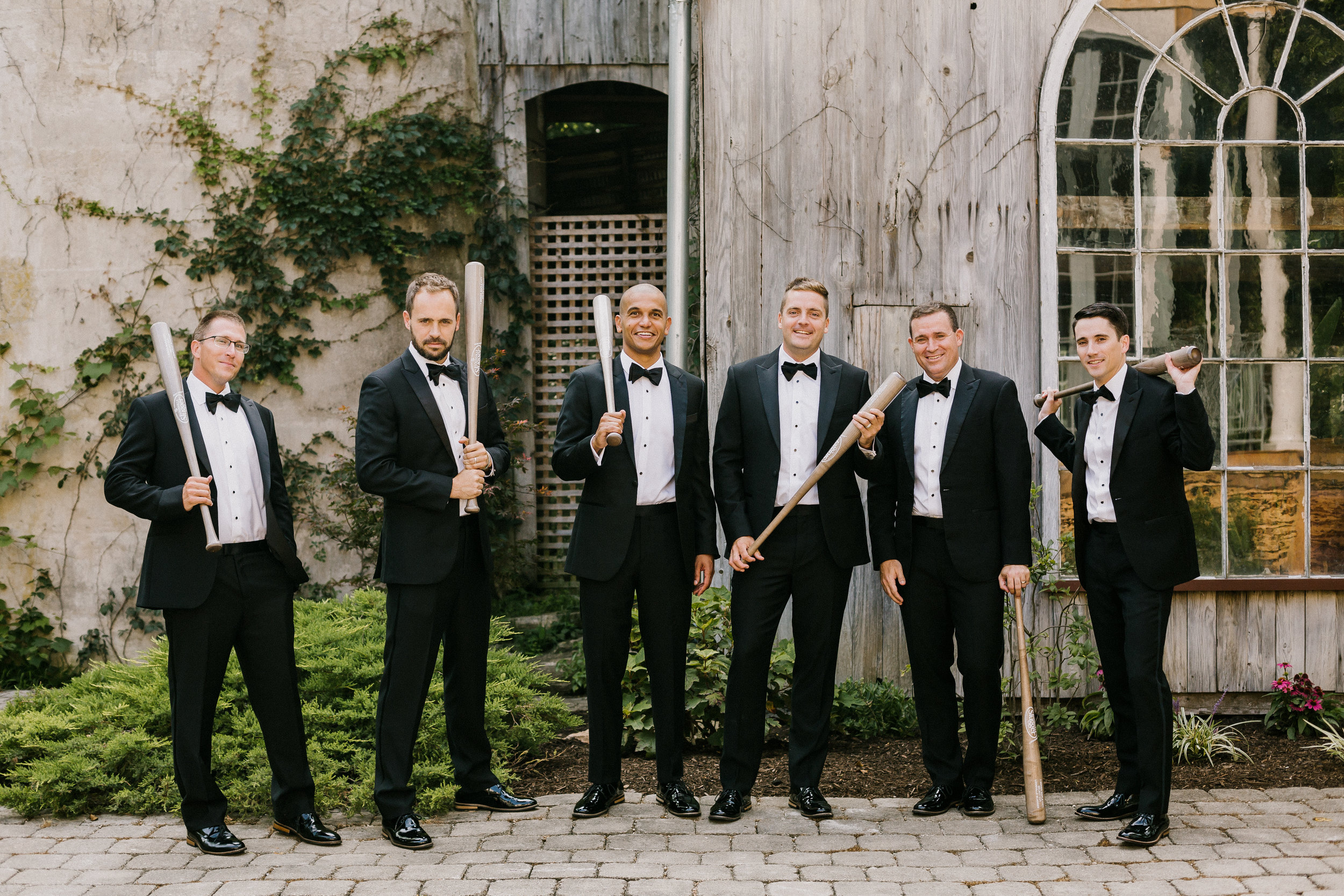 backyard-wedding-dayton-groomsmen-picture-dayton-wedding-planner.jpg
