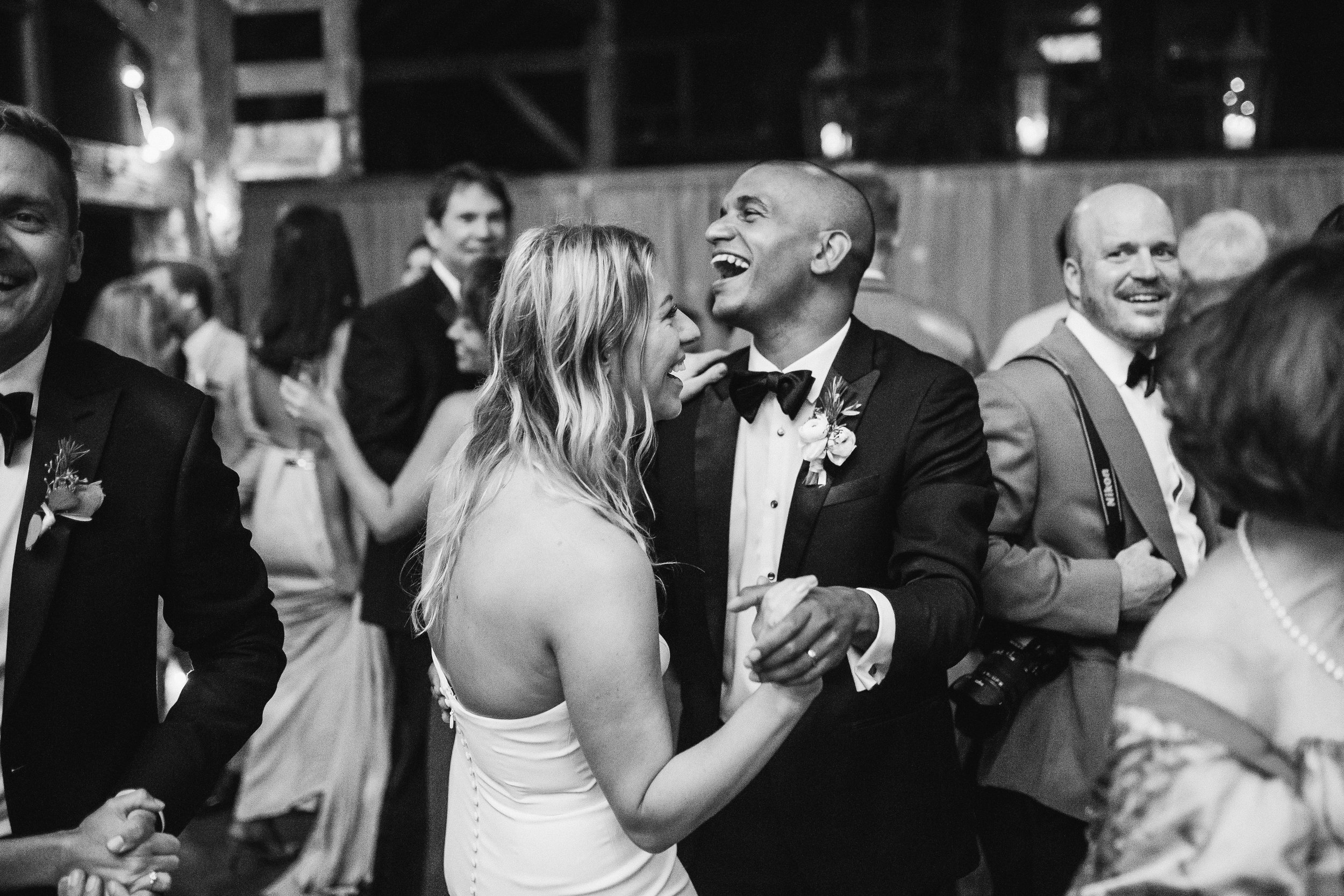 dayton-backyard-wedding-first-dance-wedding-planner.jpg