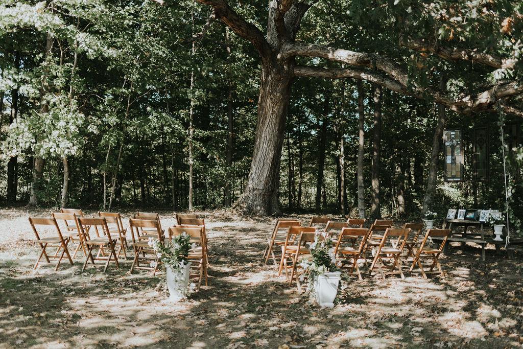 backyard-wedding-cincinnati-wedding-planner-terrapin-village.jpg