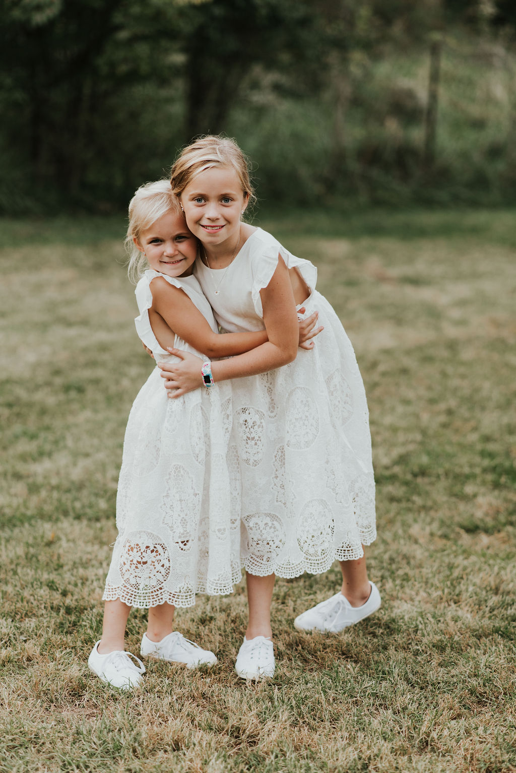backyard-wedding-flowergirls-cincinnati-wedding-planner.jpg