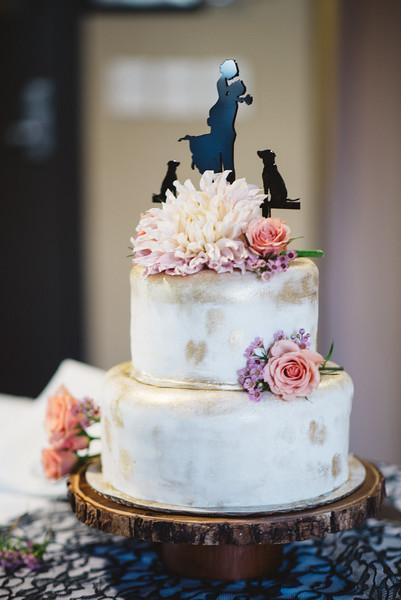 colorado-wedding-cake-granby-ranch.jpg