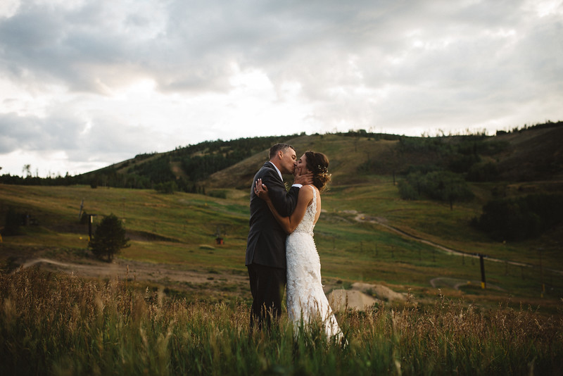 colorado-wedding-sunset-photo-wedding-planner.jpg