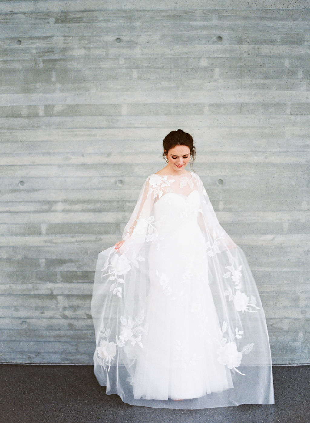 wedding-dress-cape-samanthajoyevents-louisville-jennapowers-speedmuseums.jpg