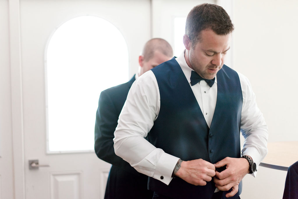Dayton-event-and-wedding-planner-groom-getting-ready