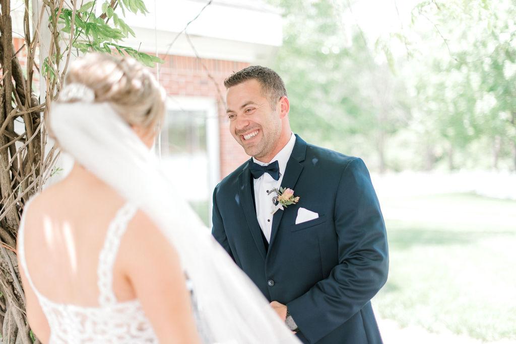 Dayton-wedding-planner-first-look-groom-and-bride