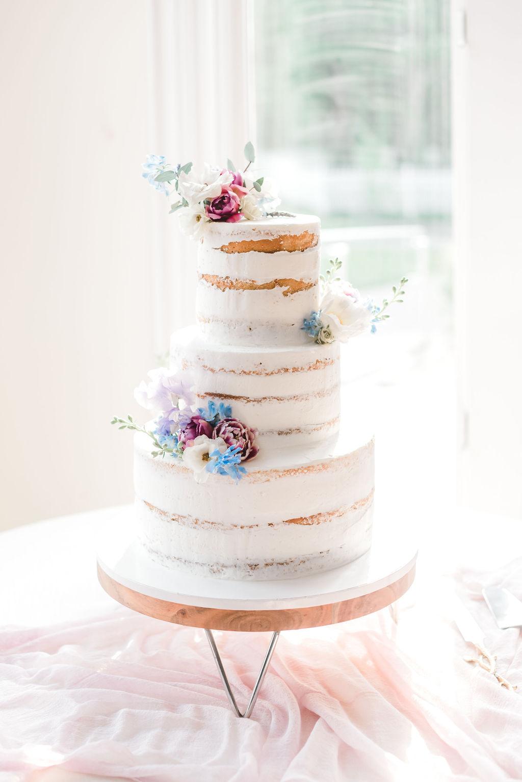 Dayton-event-planner-wedding-cake-floral