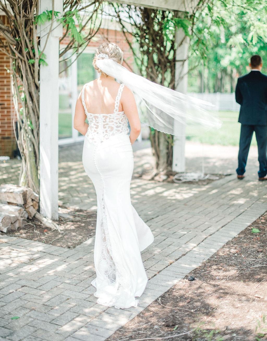 Dayton-wedding-planner-first-look-bride-and-groom