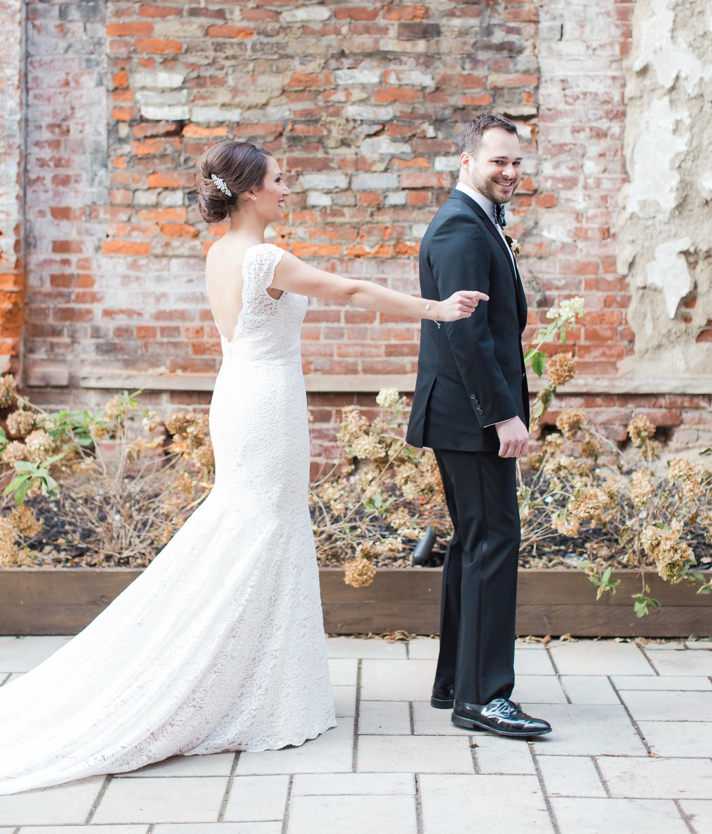 cincinnati-wedding-venue-bride-groom-first-look-reveal.JPG