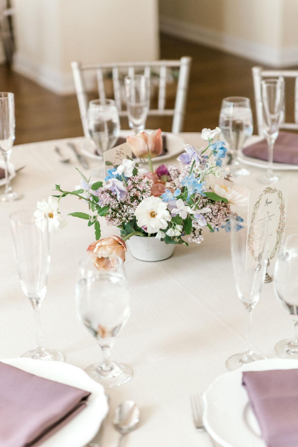 evergreen-flower-co-wedding-centerpiece-estate-at-sunset-farms-wedding-planner.jpg