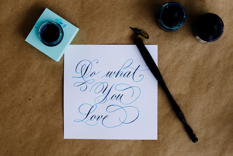 LoveleighLoops-learn-calligraphy-pointed pen.png