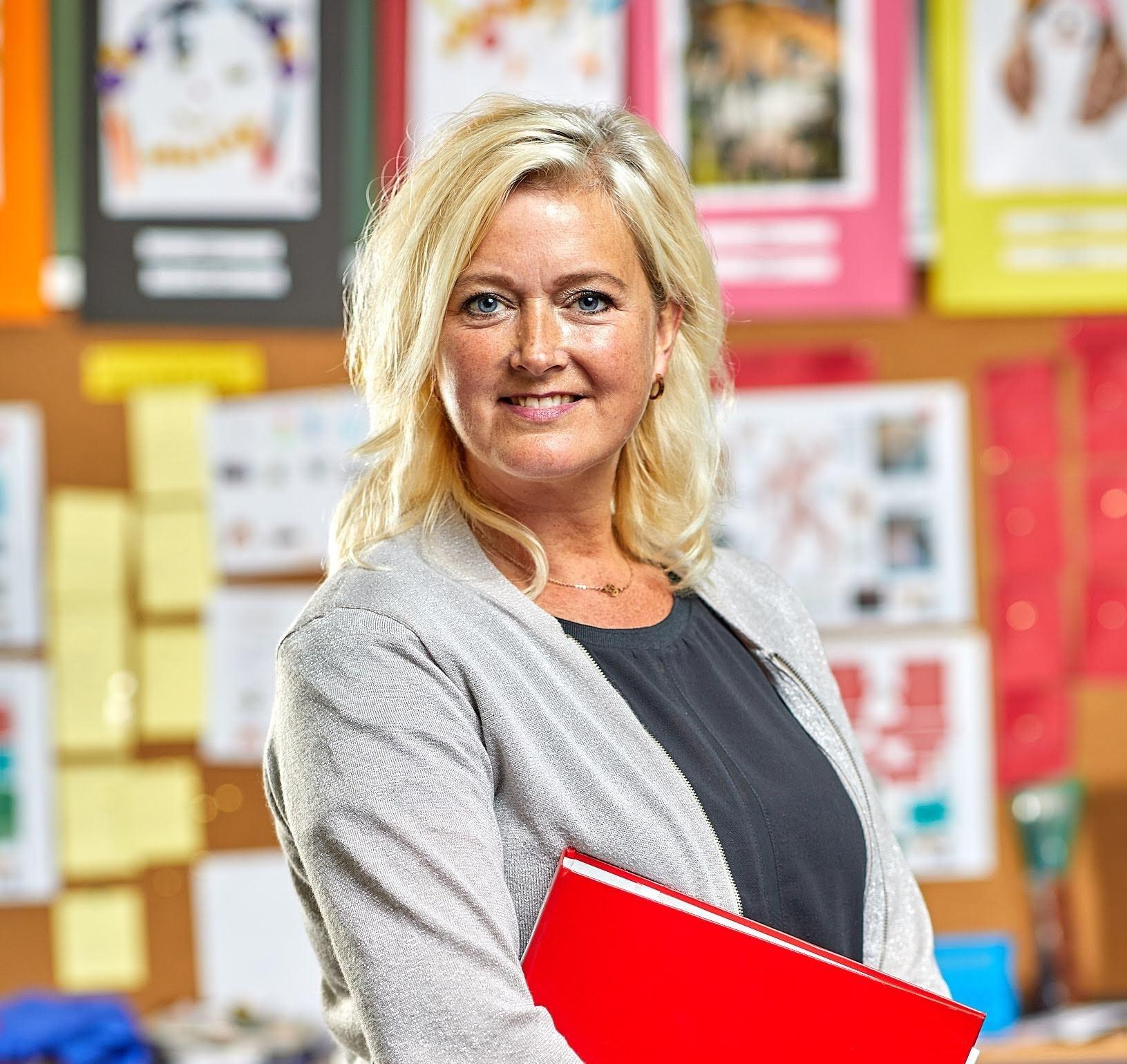 Esther van Dongen, administratie