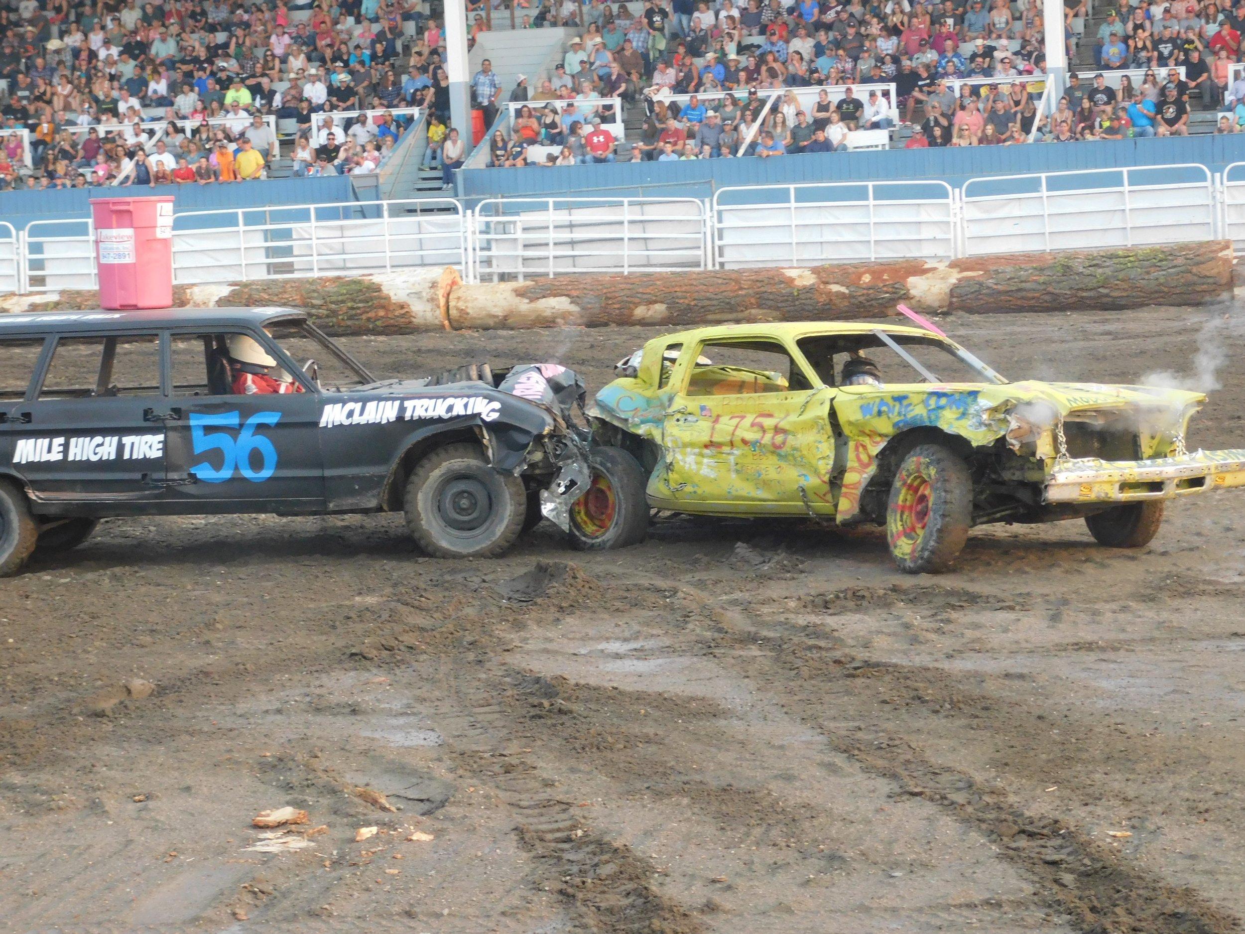 Examinar PhotoLake County Fair_Destruction.jpg