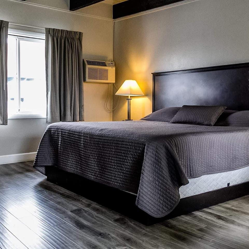 Lakeview Elks Bed.jpg