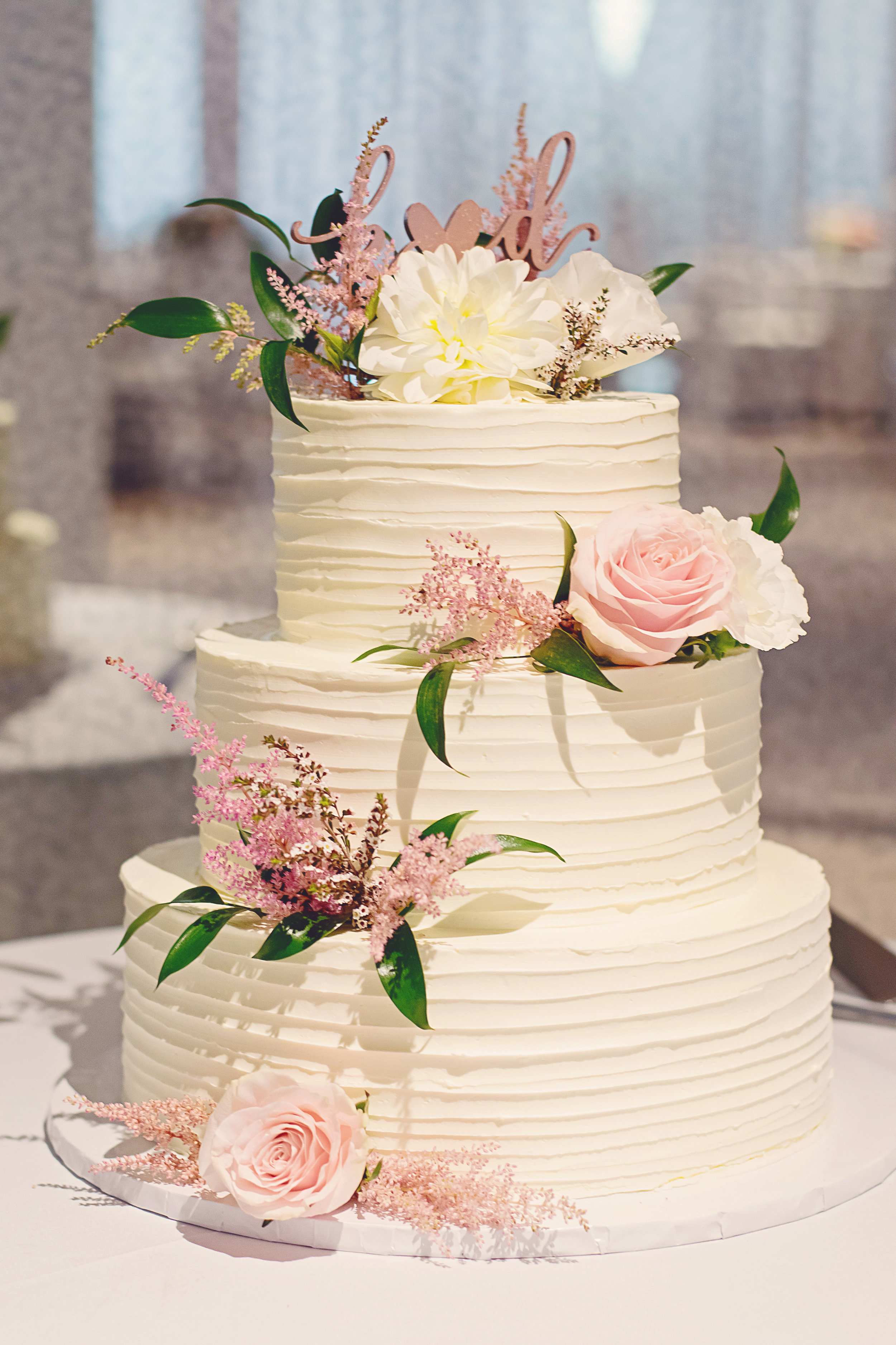 i-dream-jeanne-cakes-wedding-elegant-1-ludwig-photography.jpg