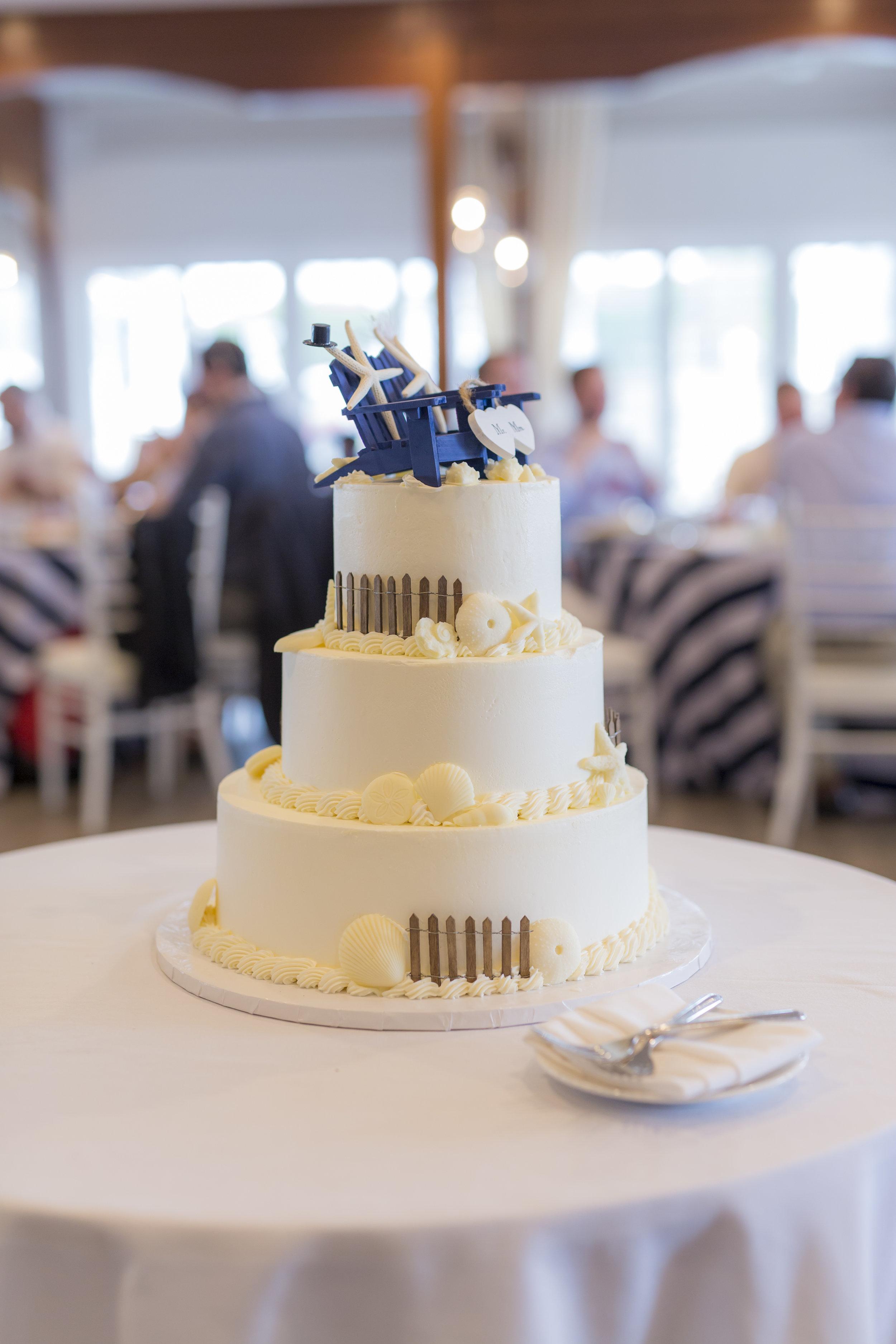 i-dream-jeanne-cakes-wedding-elegant-blackmore-photography-b.jpg
