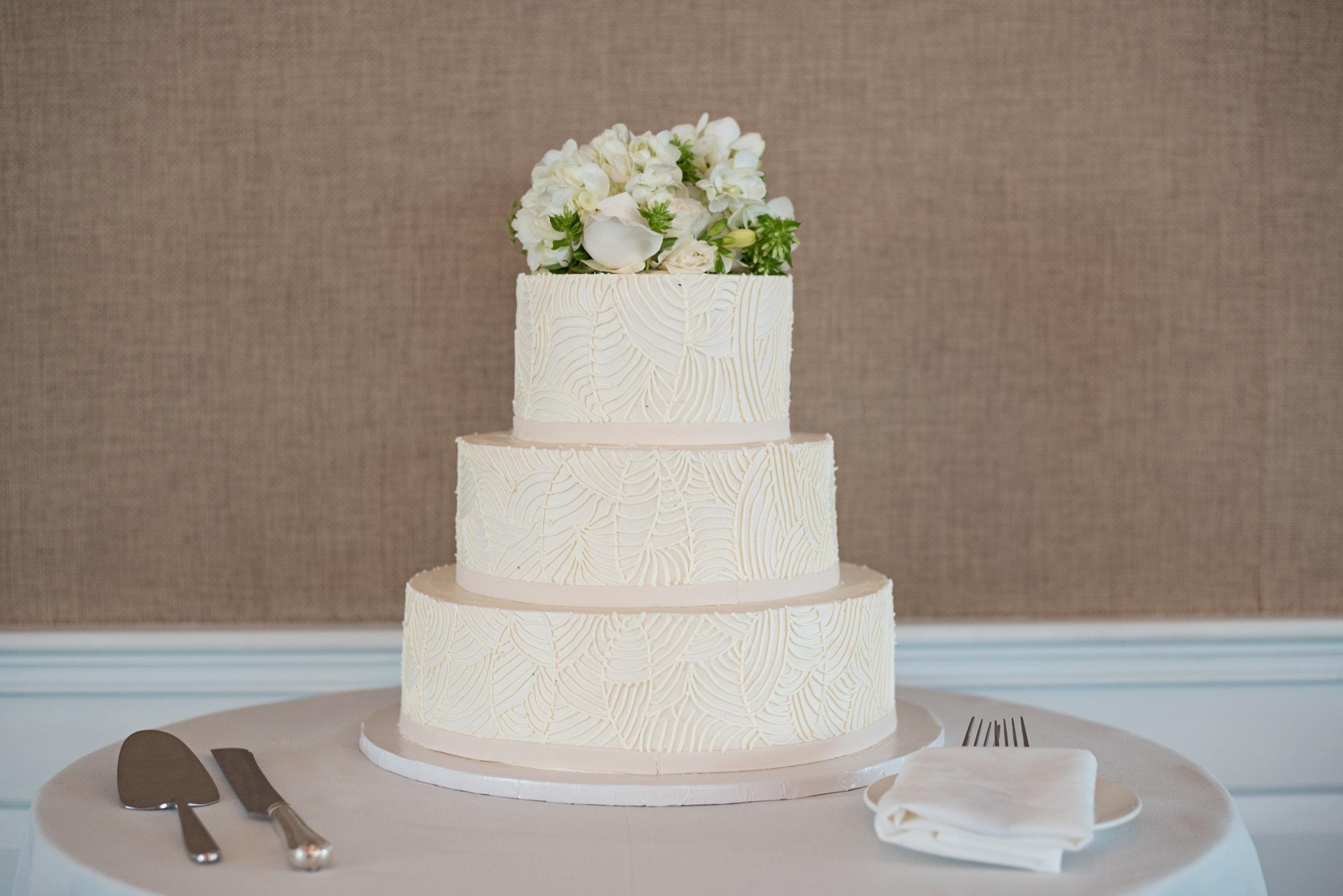i-dream-jeanne-cakes-wedding-elegant-sarah-murray-photography-a3.jpg