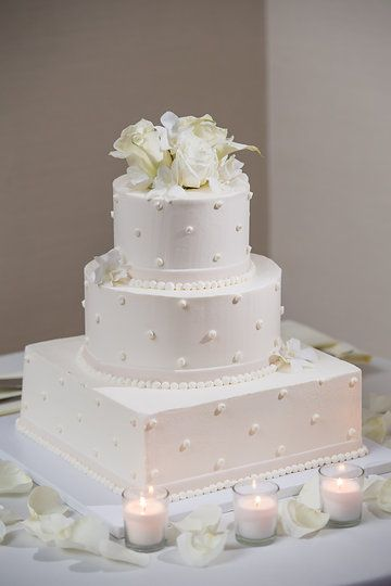 i-dream-jeanne-cakes-wedding-round-square-buttercream.jpg