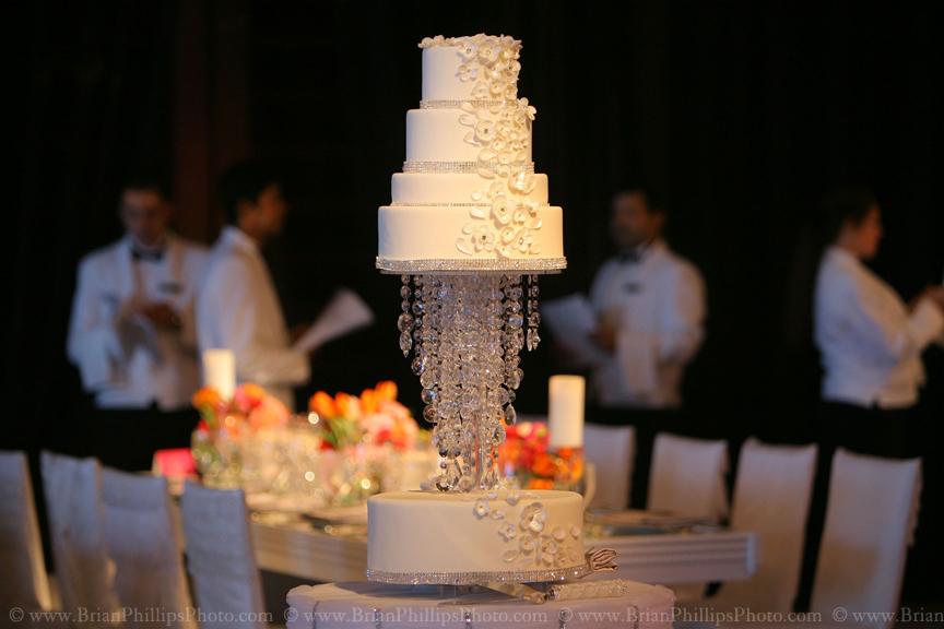 i-dream-jeanne-cakes-wedding-extravagant-brian-phillips-photo-a1.jpg