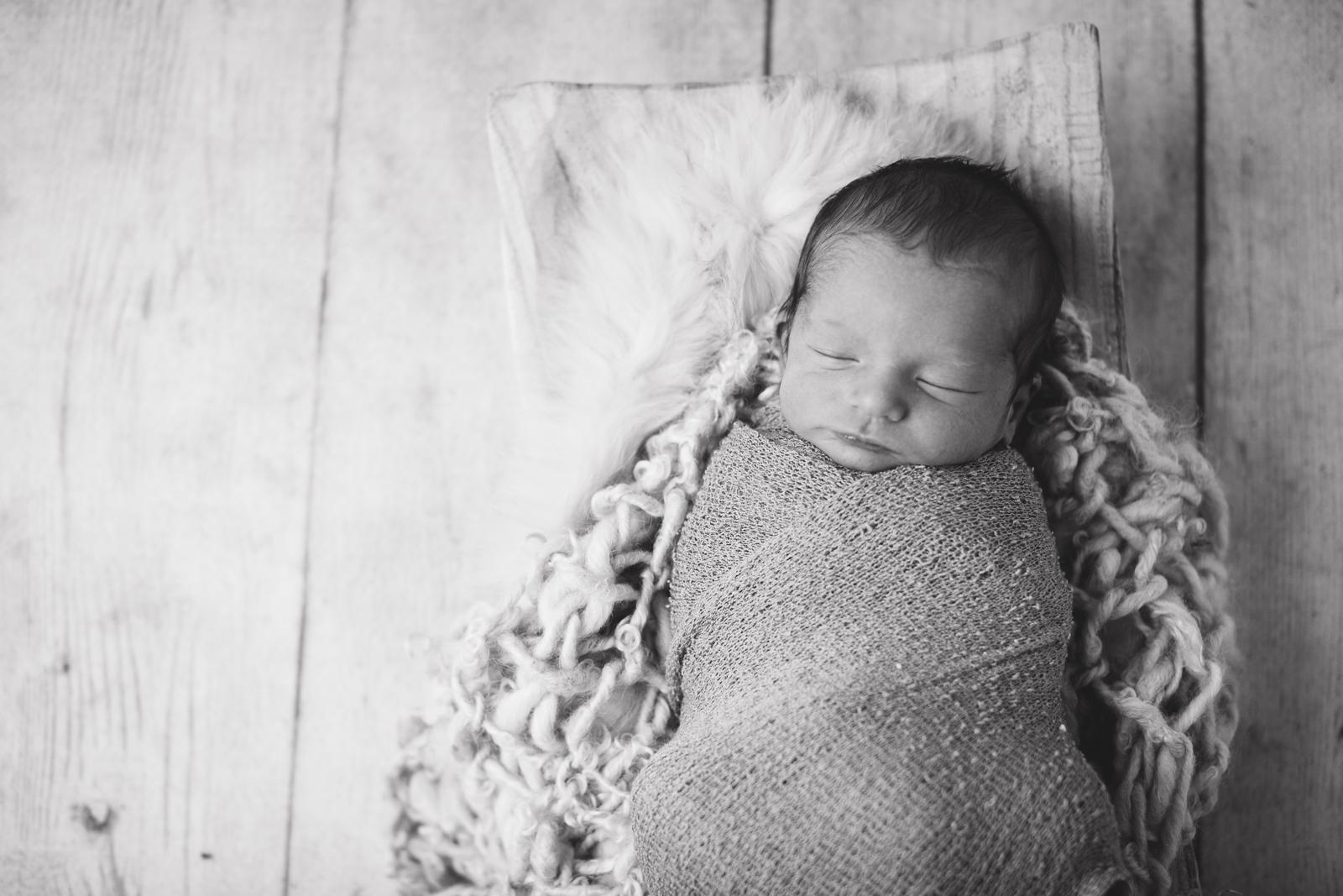 max-newborns-lafayette-indiana-photographer-newborn-photographer-5.jpg