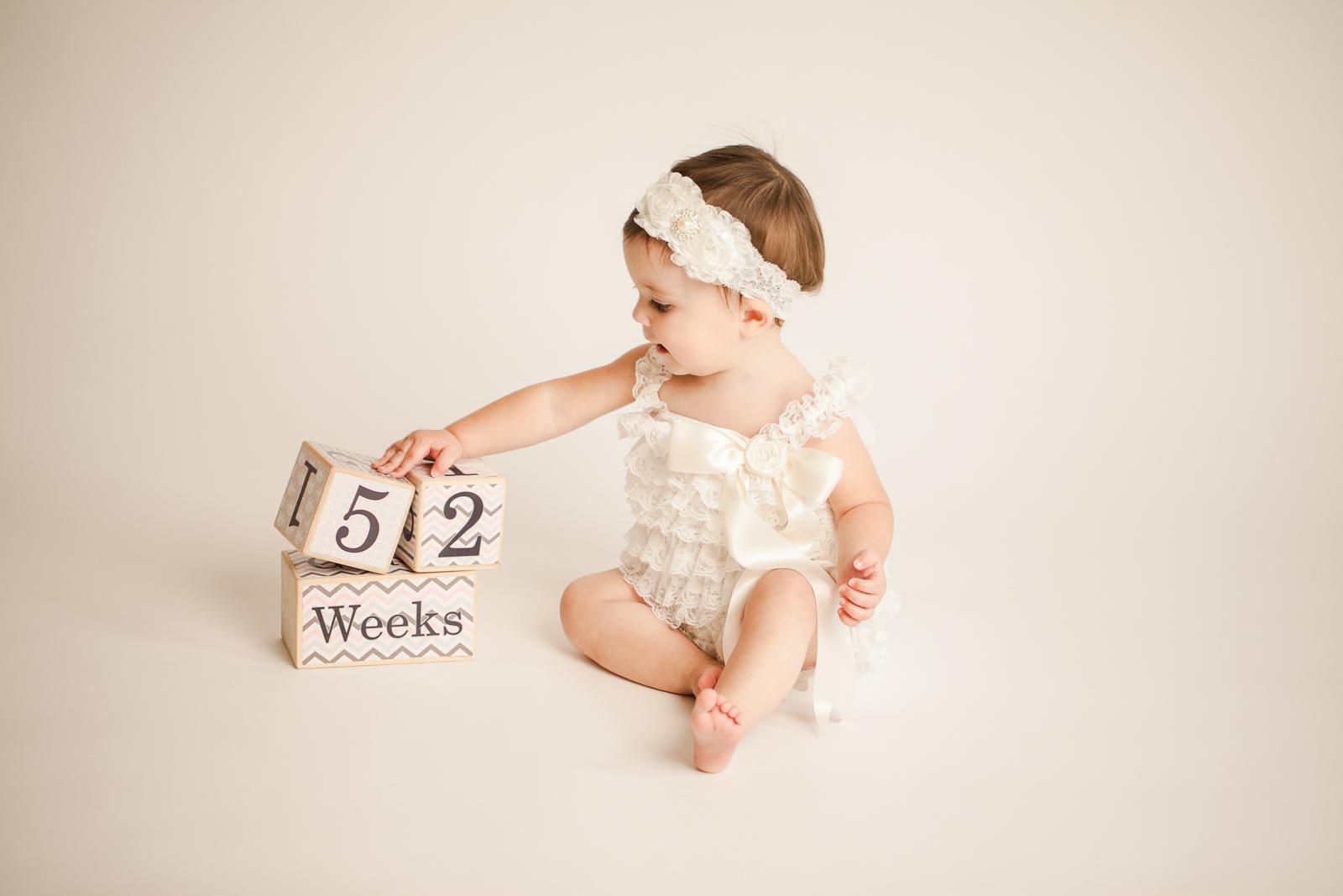 cake-smash-one-year-old-photographer-lafayette-indiana-12.jpg