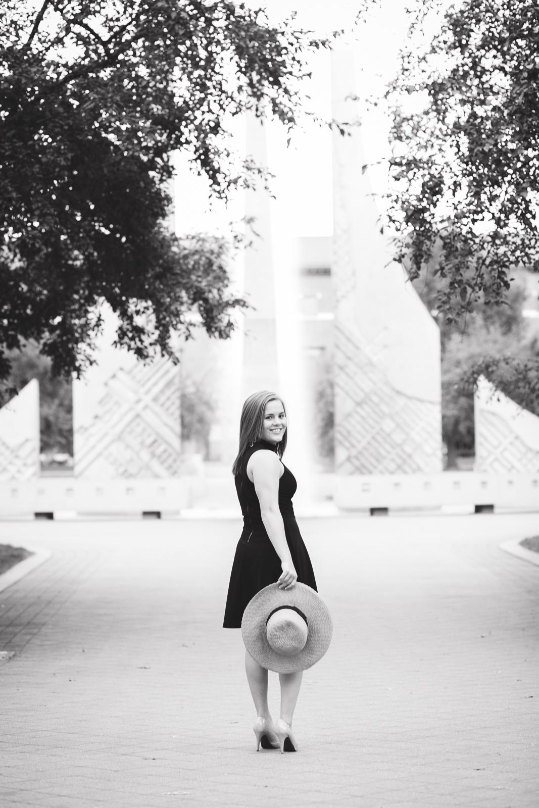 high-school-senior-photographer-lafayette-indiana-43.jpg