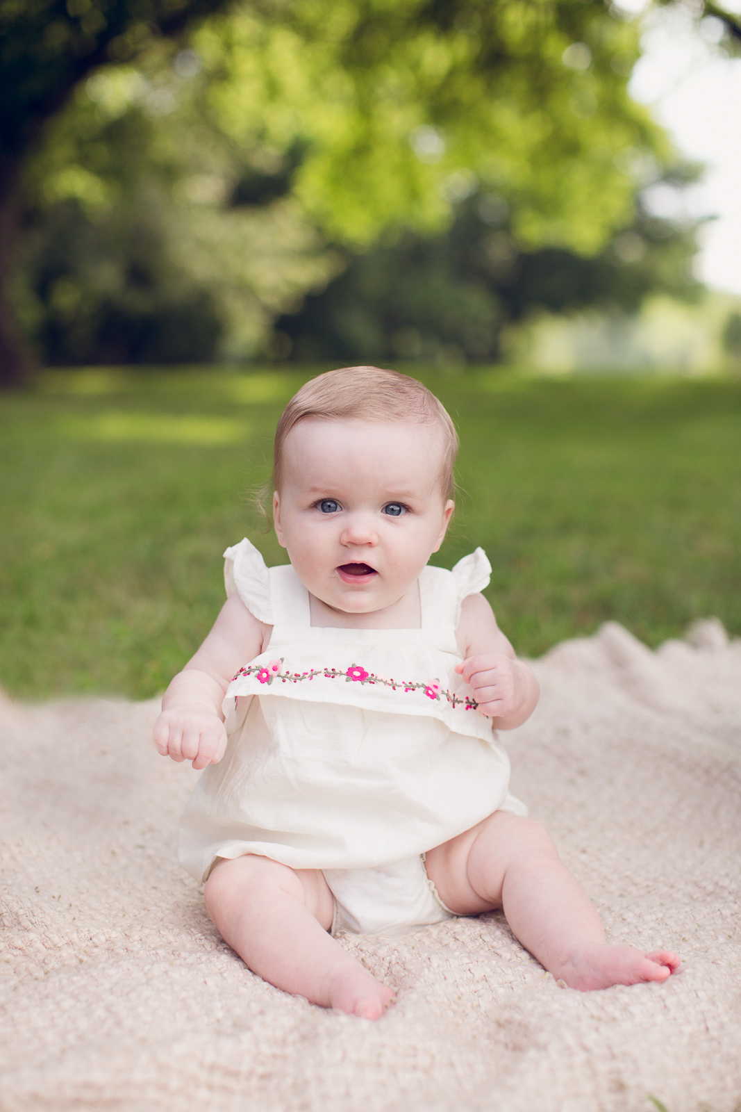 Hattie 6 month photographer lafayette indiana milestone photographer-12.jpg