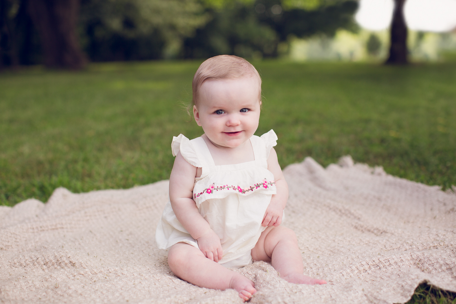 Hattie 6 month photographer lafayette indiana milestone photographer-13.jpg