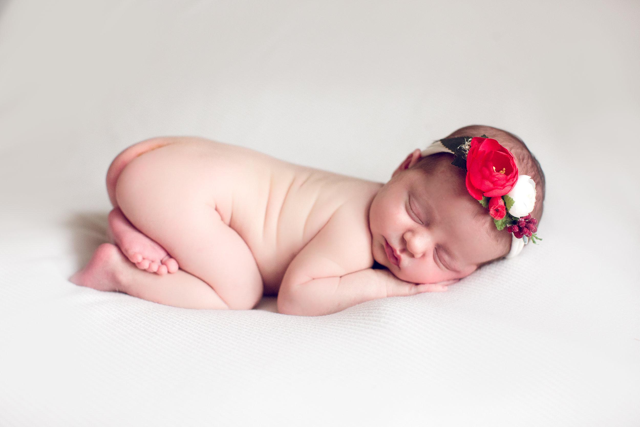 Hattie newborn Pearl Photo Design--5.jpg