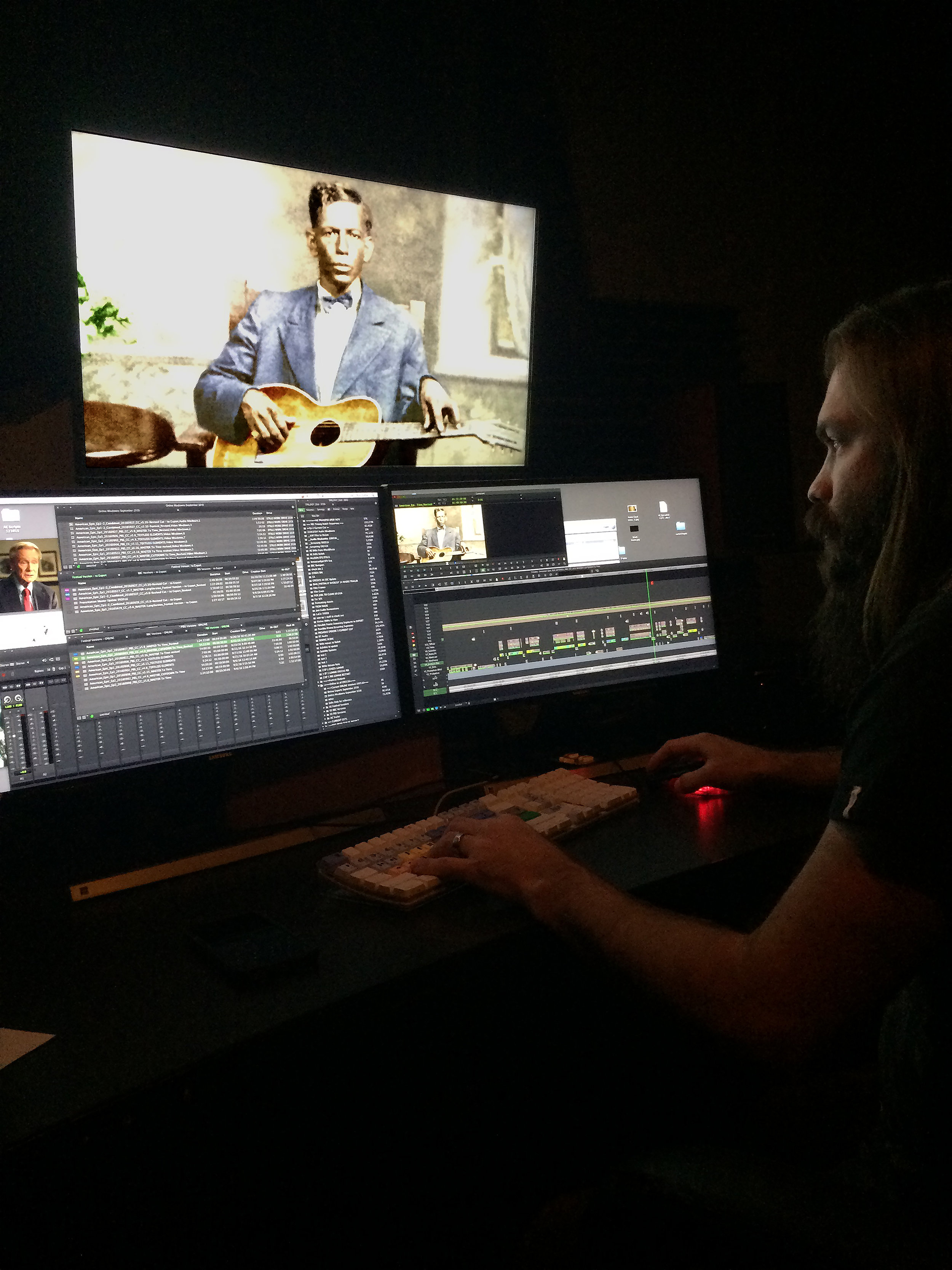 Supervising Editor Dan Gitlin cutting the Charley Patton story.  ©2017 Lo-­Max Records Ltd.