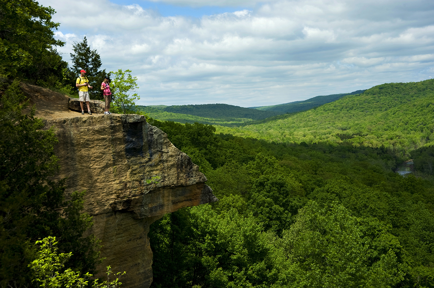 Devils-Den-State-Park-Yellow-Rock-Overlook-West-Fork.-Image-courtesy-of-Arkansas-Department-of-Parks-and-Tourism.jpg