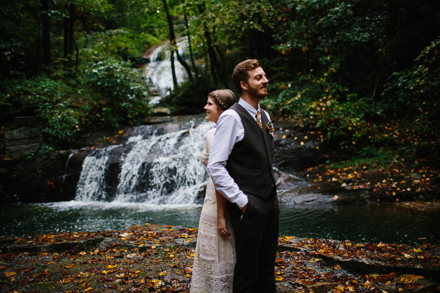 031-asheville-north-carolina-camp-wedding-destination-wedding-photographers-the-livelys-3.jpg