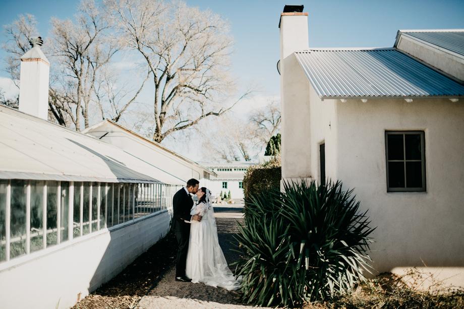 624-albuquerque-wedding-photographer-los-poblanos.jpg