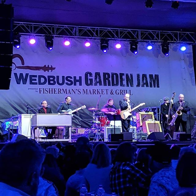 Jimmie Vaughan! Texas blues in Indian Wells at the Wedbush Securities Garden Jam Music Festival. . . . .  #lukasnelsonandpromiseofthereal #lukasnelson #luciesilvas #buddyguy #jimmievaughan #loslobos #brianculbertson #tobylee #musicfestival #musicmonth #coachella #rocknroll #country #bluesfestival #indianwells #gardenjam #gardenjammusicfestival #indianwellstennisgarden #indianwells #smoothjazz