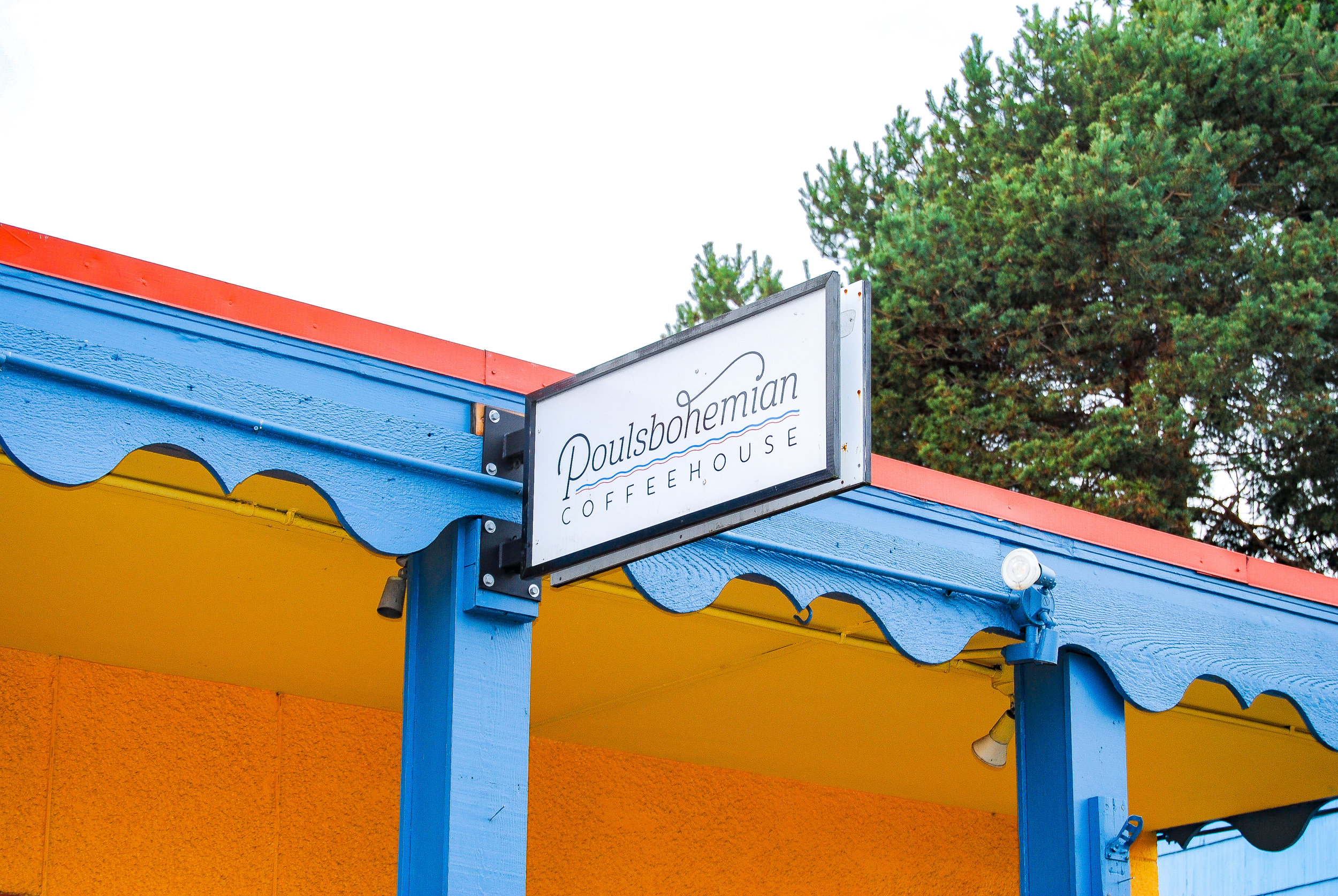 Poulsbohemian Coffeehouse - Spectacular views of the Bay, with outdoor seating and dog/kid-friendly environment