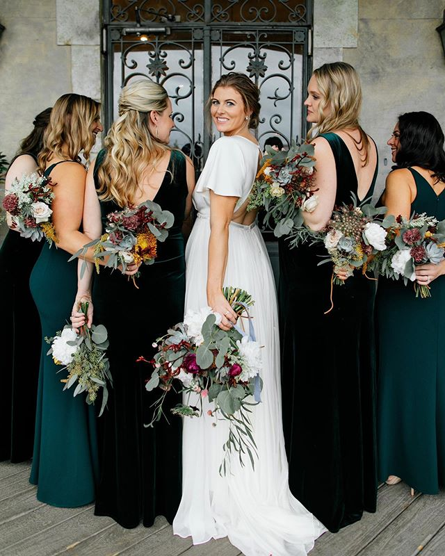 When 4 out of 6 bridesmaids are very pregnant and still stuntin' on ya. 👑 || By Amanda  Dress: @thesentimentalistatl Florals: @amandajewelfloraldesign  HMU: @bristleandbride Bridesmaids: @bhldn  Planning: @drakesocialevents Venue: @thewestsidewarehouse