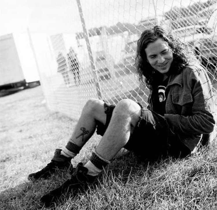 Eddie Vedder getting his grunge on.