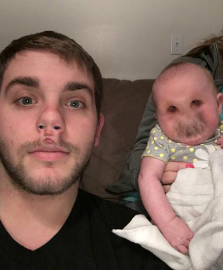 FaceSwapLive. Fotos tomadas de usuarios de la app que se han vuelto virales en las redes.