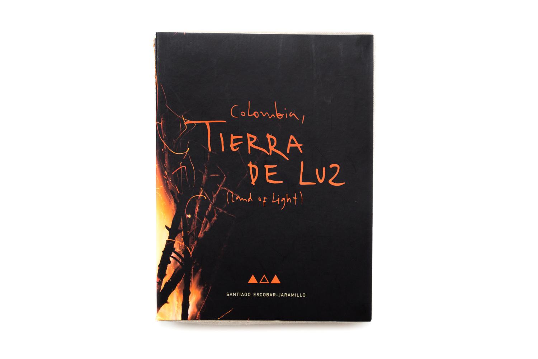 COLOMBIA TIERRA DE LUZ - SANTIAGO ESCOBAR-JARAMILLO - FOTOLIBROS COLOMBIANOS-01.jpg
