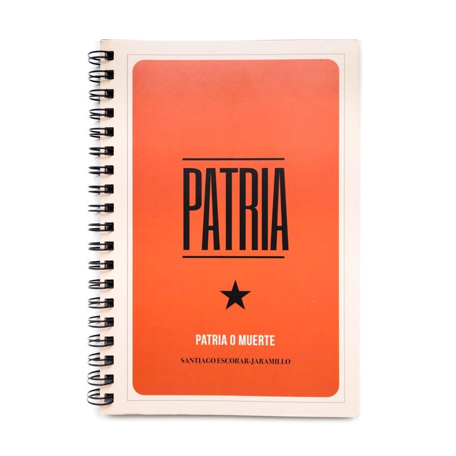 FOTOLIBRO+PATRIA+O+MUERTE+-+SANTIAGO+ESCOBAR-JARAMILLO+-+FOTOLIBROS+COLOMBIANOS-01.jpg