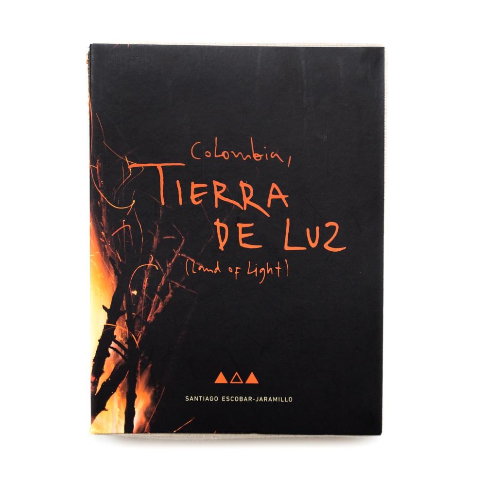 COLOMBIA+TIERRA+DE+LUZ+-+SANTIAGO+ESCOBAR-JARAMILLO+-+FOTOLIBROS+COLOMBIANOS-01.jpg