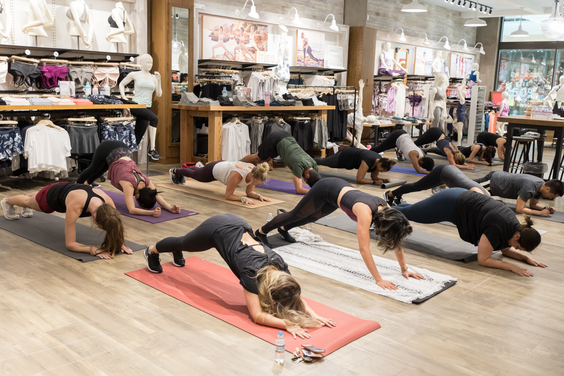 attendees-working-out-fitness-workshop-pegactive-inside-athleta-store-valley-fair-mall-san-jose.jpg