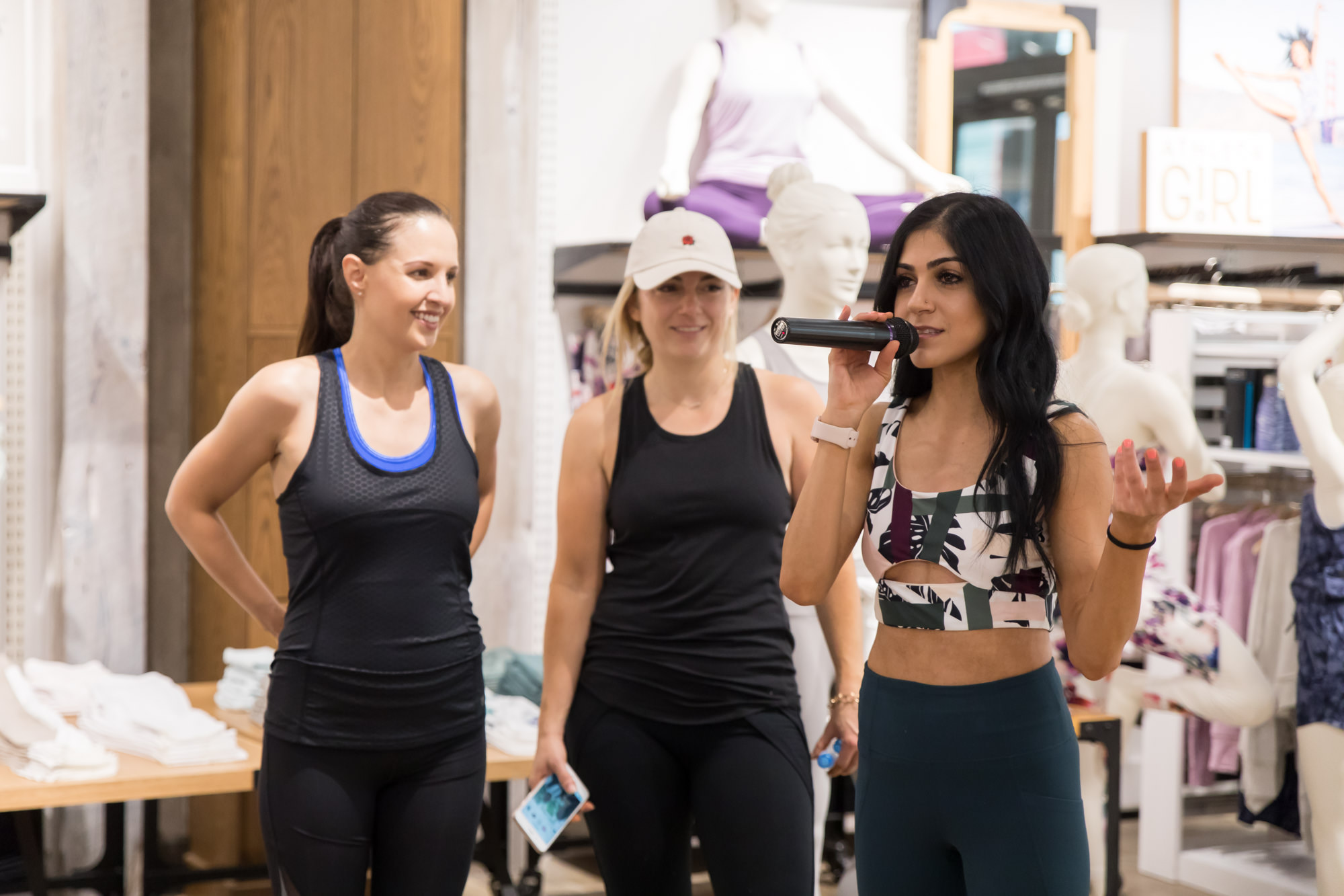 pegactive-thanking-people-for-coming-to-pop-up-fitness-workshop-in-store-athleta-westfield-valley-fair-mall-san-jose.jpg
