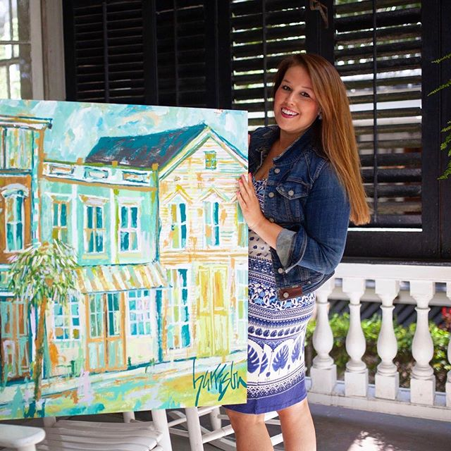We are so excited to work with local artist, Harrison Blackford! @harrisonblackfordart uses energetic colors and vibrant hues to capture Charleston's beauty and charm! Stay tuned for her new collection releasing May 6th🎨✨