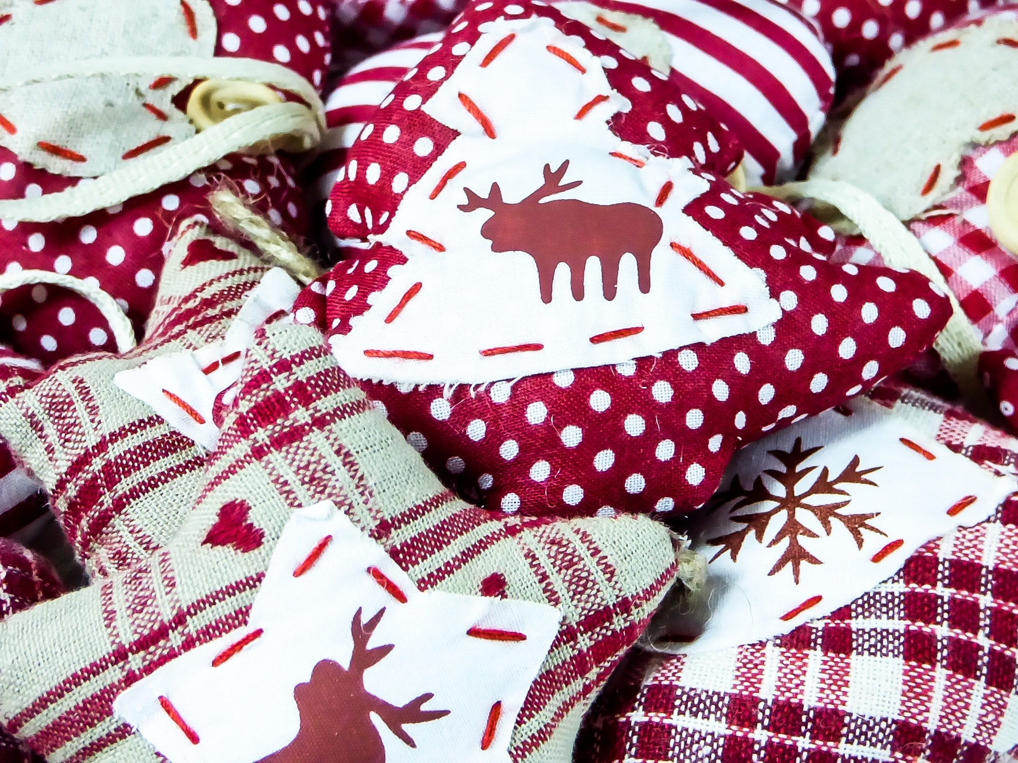 christmas-decoration-fabric-247723.jpg